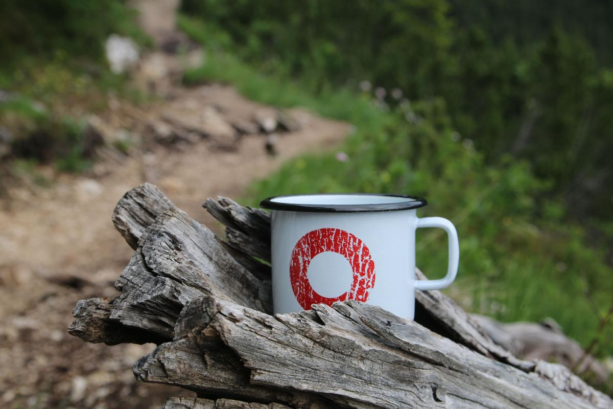 Food and hydration while hiking - hiking safety tips