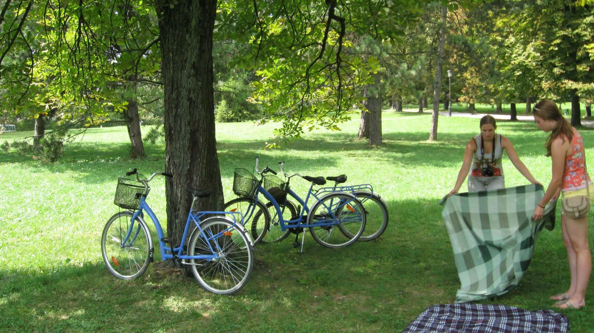 Stoping on a bike tour for a picnic