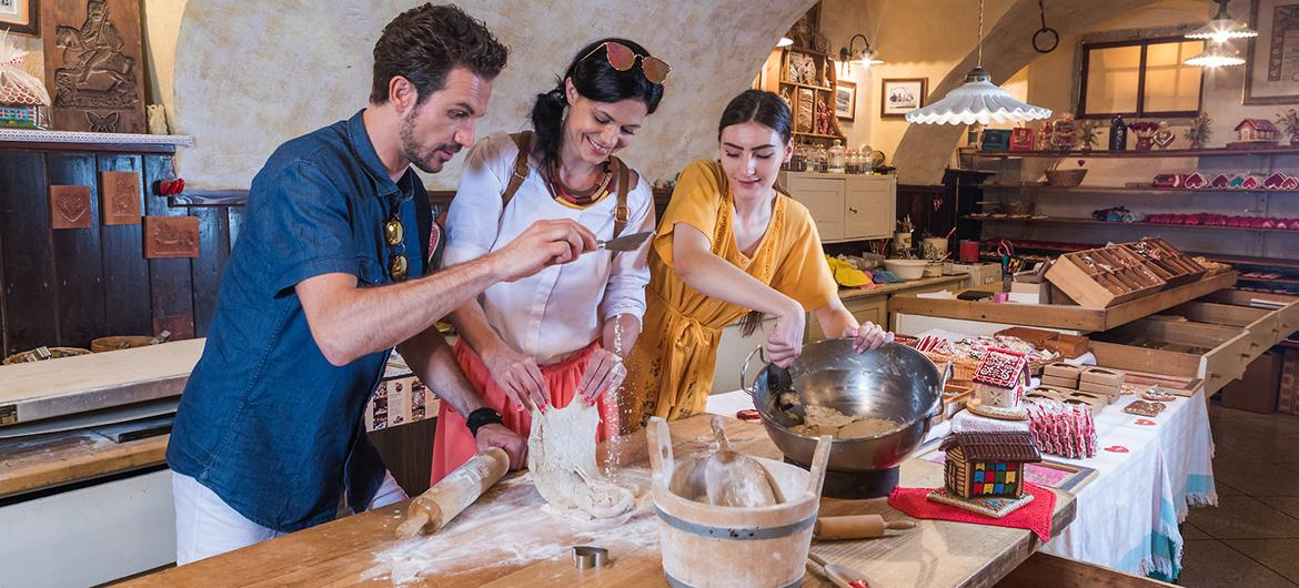 Turists on a cooking workshop